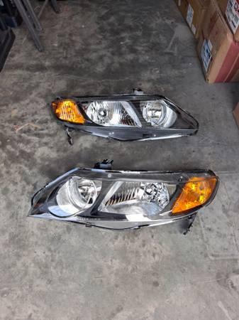 Photo New Honda Civic 06-2011 Headlights -- Free Delivery - $140 (Fresno)