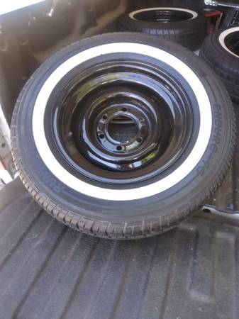 Photo Selling my 15 in chevy 6 lug rims and tires brand chevy - $500 (Fresno)