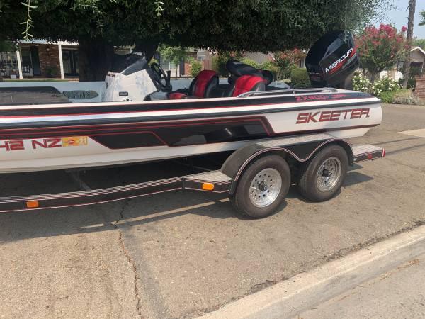 Photo Skeeter bass boat - $16,500 (Kingsburg)
