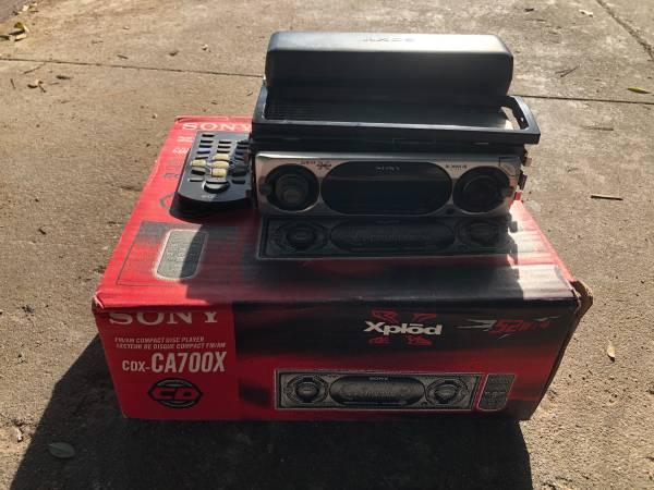 Photo Sony XPlod AM FM CD Player Car Stereo - $20 (Shields blackstone)