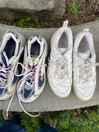 Photo Two pair womens Adidas tennis shoes. One pair is Galaxy and another - $10 (Fresno)