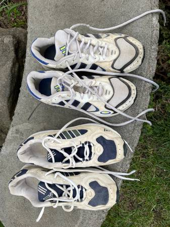Photo Two pair womens tennis shoes size 8. Both pair are Adidas - $10 (Fresno)