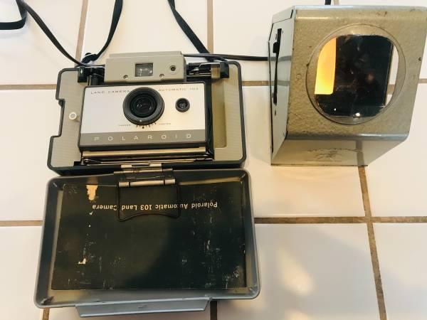 Photo Vintage POLAROID Land Cameras  Brumberger Slide Viewer - $25 (Oceano)