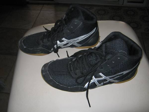 Photo Wrestling Shoes - $12 (Fresno)