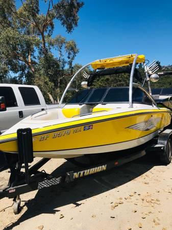 Photo centurion air warrior ski boat - $17000