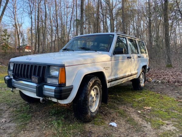 Photo 1988 Jeep Cherokee Pioneer - $4,500 (Gadsden)