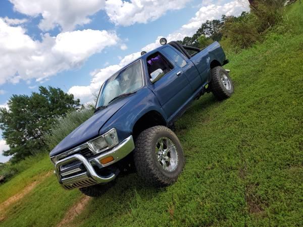 Photo 1990 Toyota 4x4 Truck - $4,000 (Heflin, Al.)