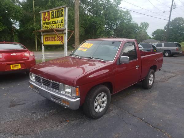 Photo 1997 Nissan Hardbody Pick up Truck - $1 (EZRIDE.COM)