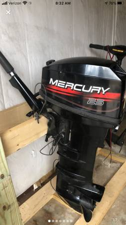 Photo 2002 Mercury 25 hp Outboard Motor - $1200 (Centre)