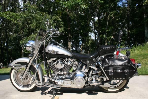 Photo 2003 Harley Davidson Heritage Classic 100 Year Anniv - $8,000 (Kennesaw, Ga)