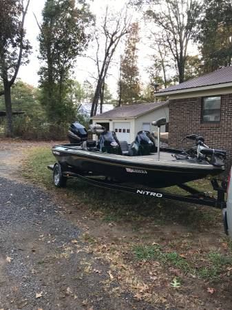 Photo 2005 18 Nitro Bass Boat - $11000 (Sylvania)