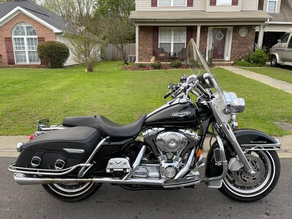 Photo 2005 Harley Davidson Road King Classic - $5,999 (Tuscaloosa)