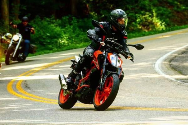 Photo 2017 KTM Duke 390 - $4,500 (Cleveland)