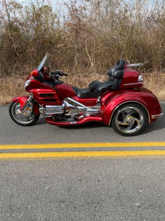 Photo HONDA GOLDWING GL 1800 W CSC VIPER TRIKE KIT CONVERSION - $22,900 (ROME,GA)