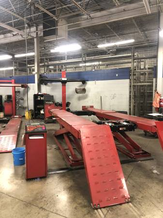 Photo Hunter Hawkeye Elite Alignment System and scissor rack - $29500 (Hoover)