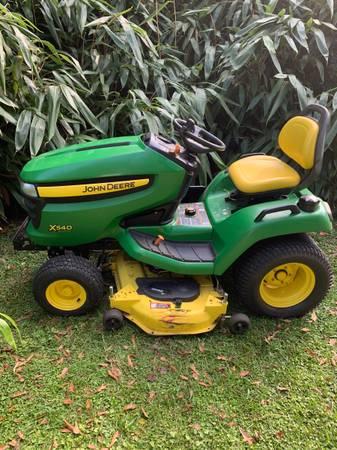 Photo John Deere X540 lawnmower garden tractor - $3,200 (Albertville)