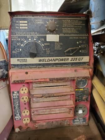 Photo Lincoln Welder  7000 watt Generator - $1500