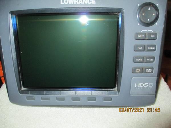 Photo Lowrance HDS 8 Gen 2 Non-Touchscreen - $400 (Anniston)