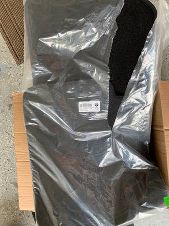 Photo New BMW F30 335i Floor Mats 328i - $50 (Peachtree Corners)
