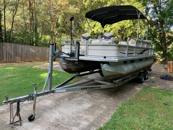 Photo Sun tracker fishing barge 21 temporarily reduced - $5,500 (Marietta)
