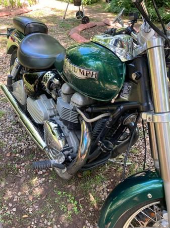 Photo TRIUMPH motorcycle - $3,450 (Cartersville)