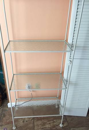 Photo VINTAGE WHITE heavy STURDY HEAVY DUTY IRON Shelf with thick glass shelf - $60 (Albertville)