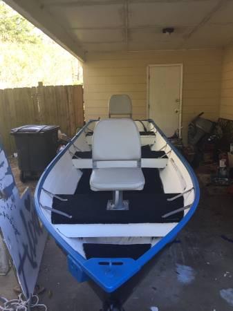 Photo 14 ft aluminum boat - $1,400 (Williston)