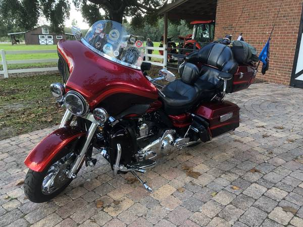 Photo 2009 Harley CVO Ultra Classic Electra Glide - $17,000 (Gainesville)