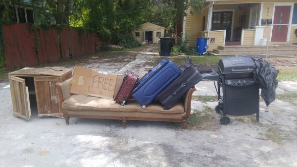 Curb Alert Couch Sewing Cabinet Gainesville Free Stuff Gainesville Fl Shoppok