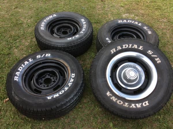 Photo Chevy rally wheels - $150 (High Springs)