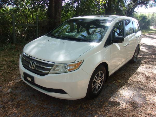 Photo Clean 2011 HONDA ODYSSEY Ex - $10900 (Gainesville)