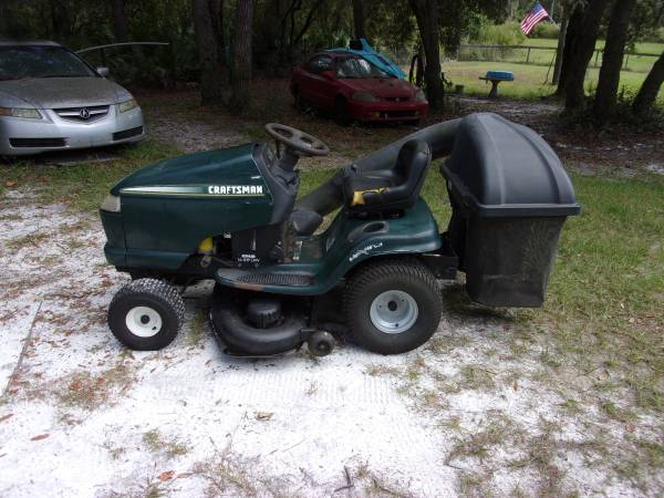Photo Craftsman 48quot Lawn Tractor - $450 (Florahome)