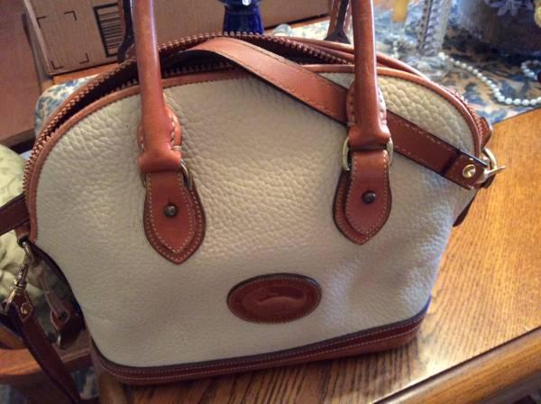 Photo Dooney and Bourke purse - $45 (NW Gainesville)