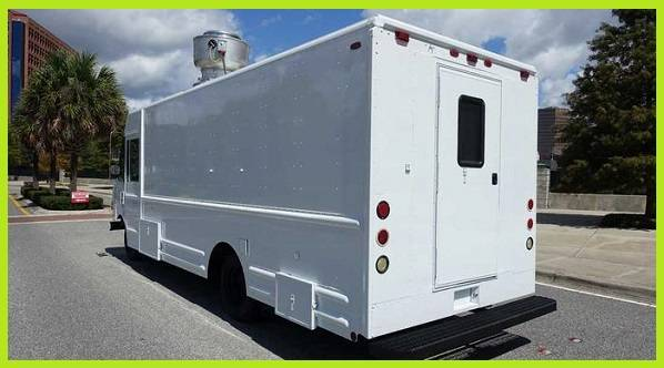 Photo Food Truck 18 ft for sale by owner - $11,402