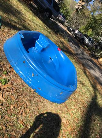 Photo Free Little Tikes Kids Pool With Slide (Gainesville)