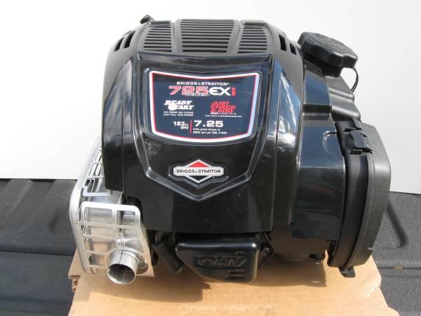 Photo NIB-Briggs  Stratton 725EX163cc Vertical shaft engine - $115 (gainesville)