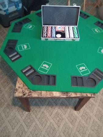Photo Octagonal folding poker table with 300 pc poker chips set - $75 (Gainesville)
