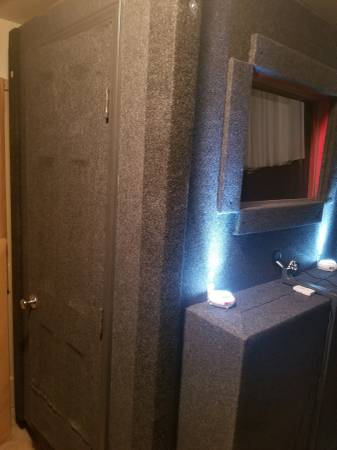 Photo Sound Proof Vocal Booth - 4x8 - $4,000 (Gainesville)