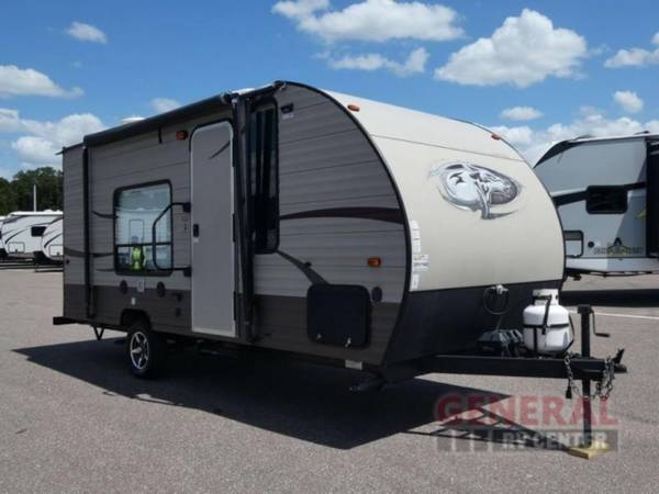 Photo Travel Trailer 2016 Forest River RV Cherokee Wolf Pup 16FQ - $16,495