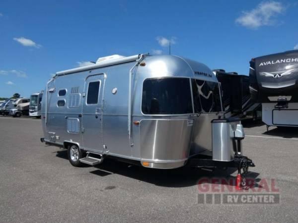 Photo Travel Trailer 2018 Airstream RV Flying Cloud 20FB - $69,781