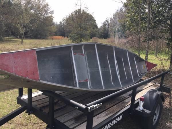 Photo Used 17ft aluminum canoe - $800 (high springs)