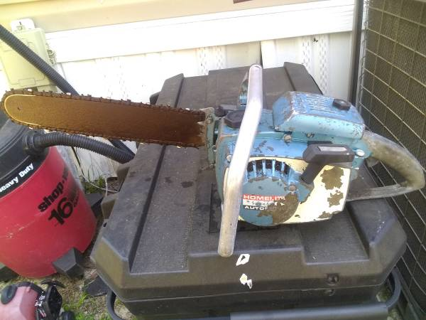 Photo VINTAGE Homelite Super XL Automatic Chainsaw - $175 (Gainesville)