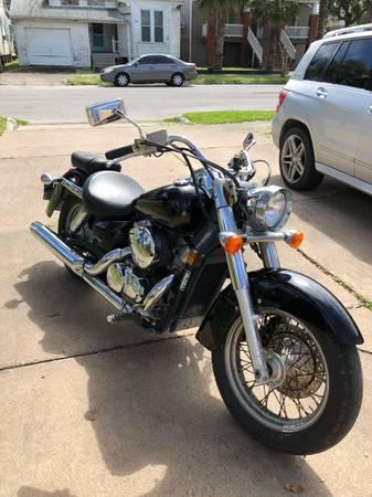 Photo 2004 Honda Shadow - $2500 (Galveston)