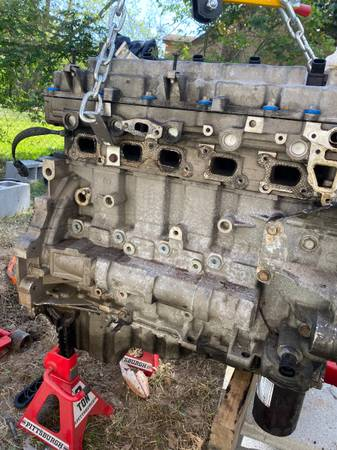Photo 3.7l 5 Cylinder Engine - $2,000 (La Marque)