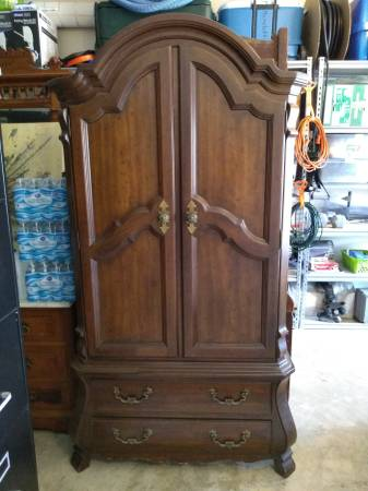 Photo Armoire Dresser - $350 (League City)