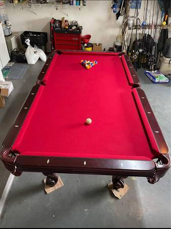 Photo Custom pool table - $2,200 (Dickinson)