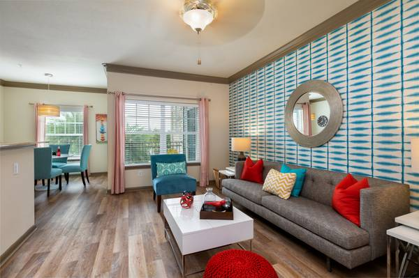 Photo Dishwasher, Sparkling Pool and Water Park, Clubhouse (Kemah,League City, Nasa,Alvin,)
