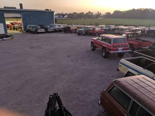 Photo Jeep Wagoneer, Cherokee Chief, J-truck, Grand Wagoneer parts - HEMI (Columbus)