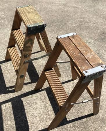 Photo pair of vintage wood step ladders - $20 (The Woodlands)