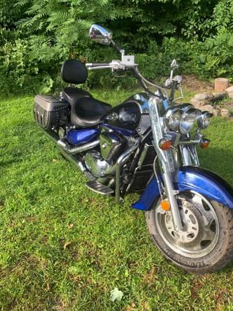 Photo 2001 Suzuki Intruder - $2,500 (Benson)